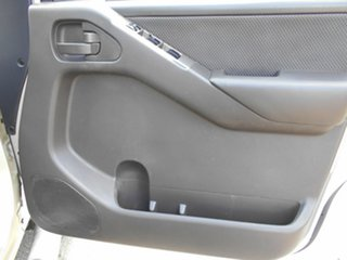 2010 Nissan Navara ST (4x4) Dual Cab Pick-up.