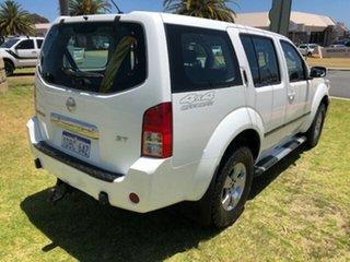 2006 Nissan Pathfinder ST Wagon.
