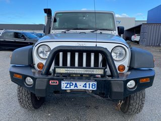2010 Jeep Wrangler Unlimited Sport (4x4) Softtop.