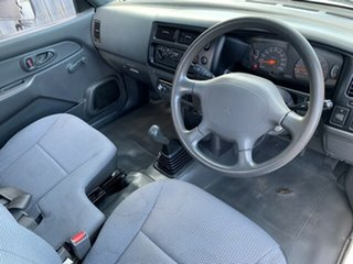 2003 Mitsubishi Triton GL Cab Chassis.