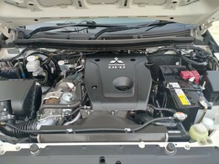 2015 Mitsubishi Triton GLX (4x4) Dual Cab Chassis.