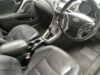 2014 Hyundai Elantra Trophy Sedan.
