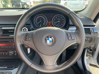 2006 BMW 323i Sedan.
