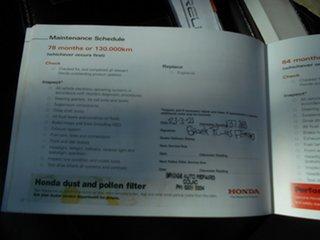 2008 Honda CR-V (4x4) Luxury Wagon.
