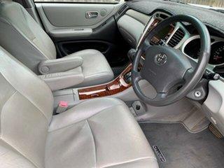 2004 Toyota Kluger Grande (4x4) Wagon.